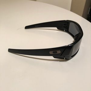 Oakley GasCan polarized sun glasses